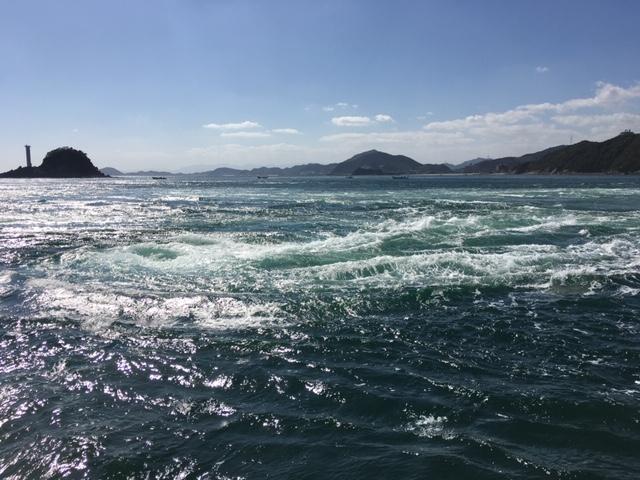 鳴門海峡のうずしお
