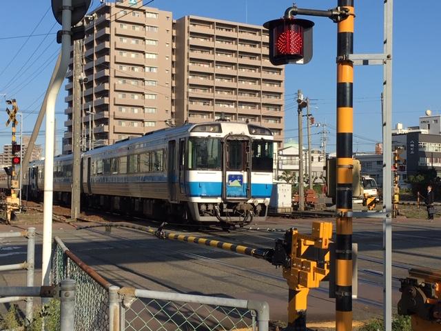 JR徳島駅前の朝